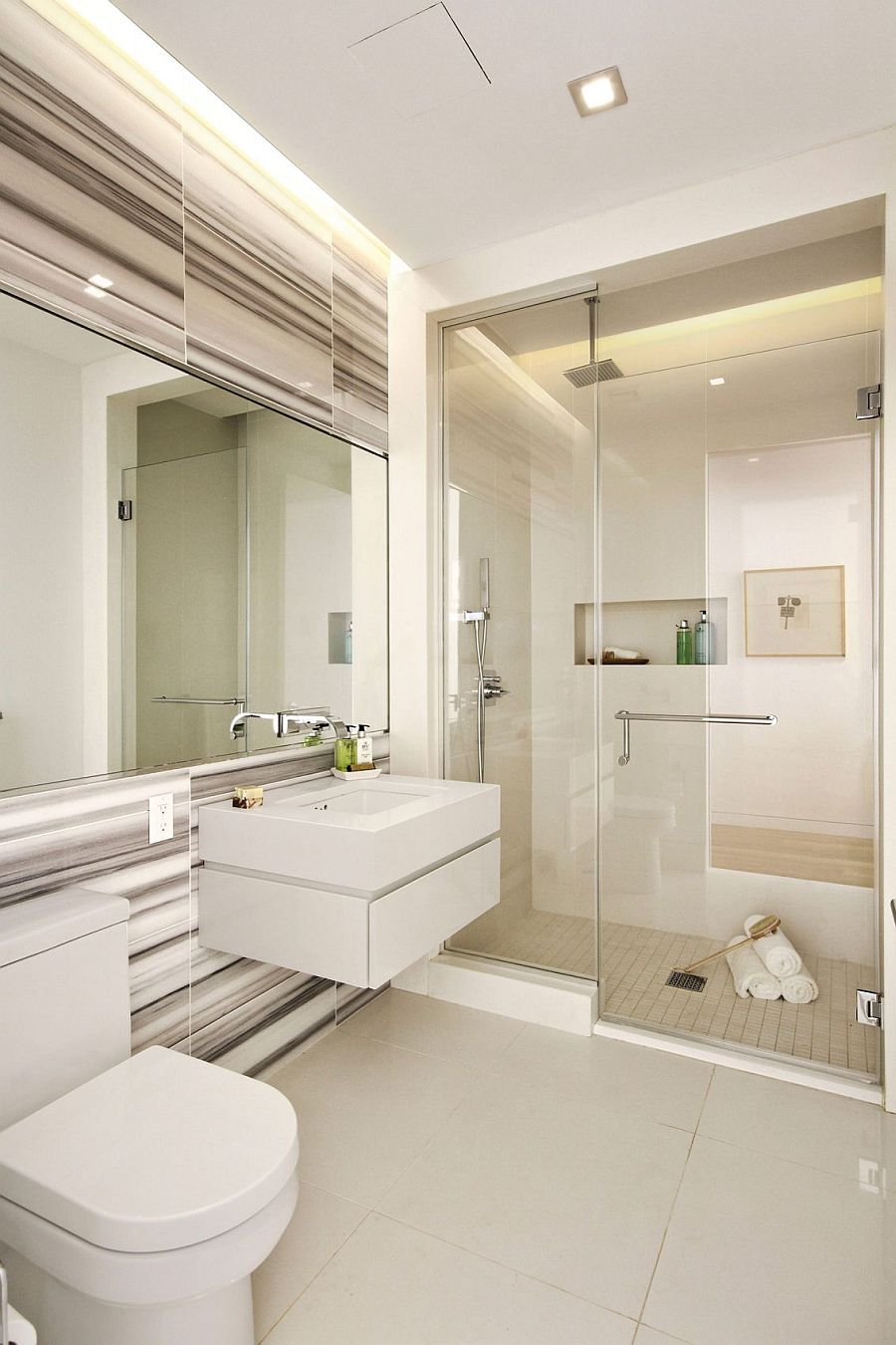 View In Gallery Lavish Modern Bathroom In White