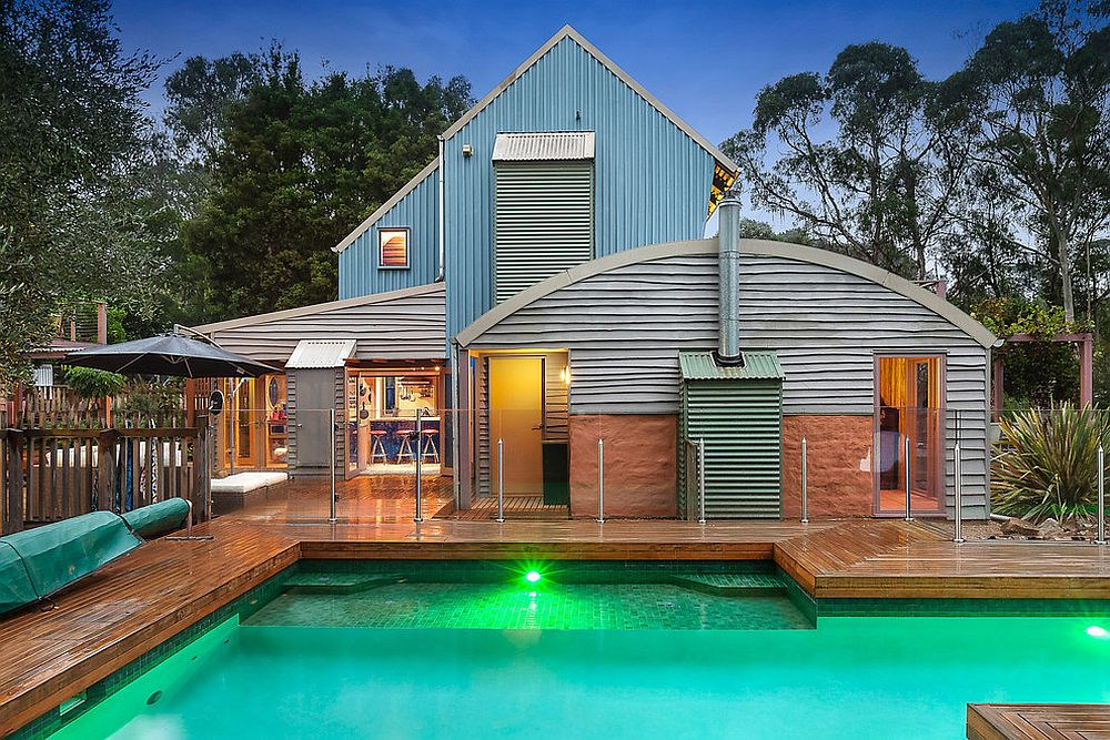 Energy Efficient Beach Style Retreat with Modern Cottage Design