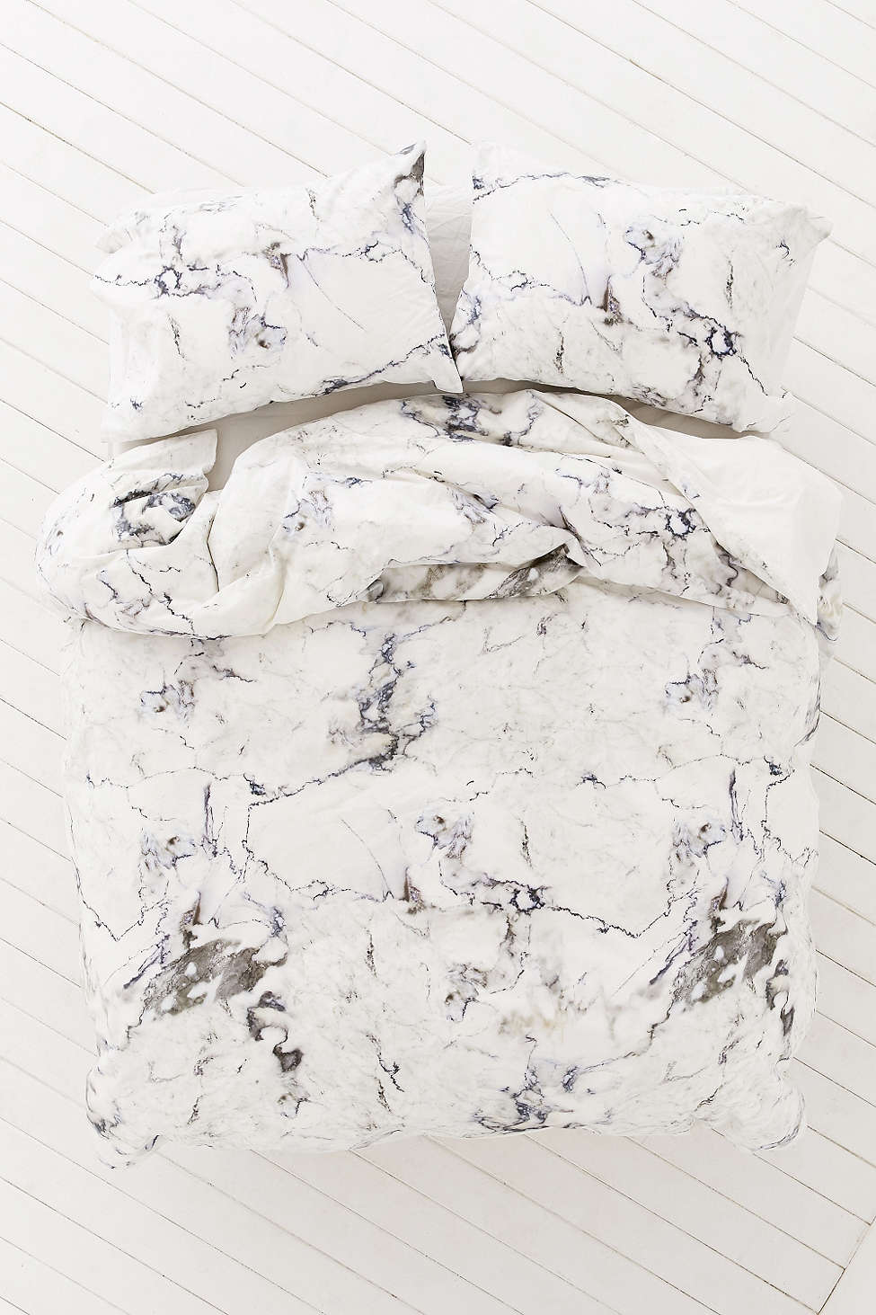 marble duvet cover from urban outfitters decoist. Black Bedroom Furniture Sets. Home Design Ideas