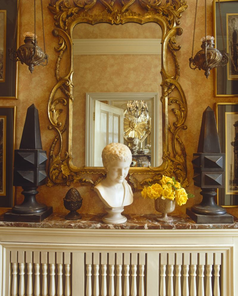 Obelisks make a bold statement on the mantel