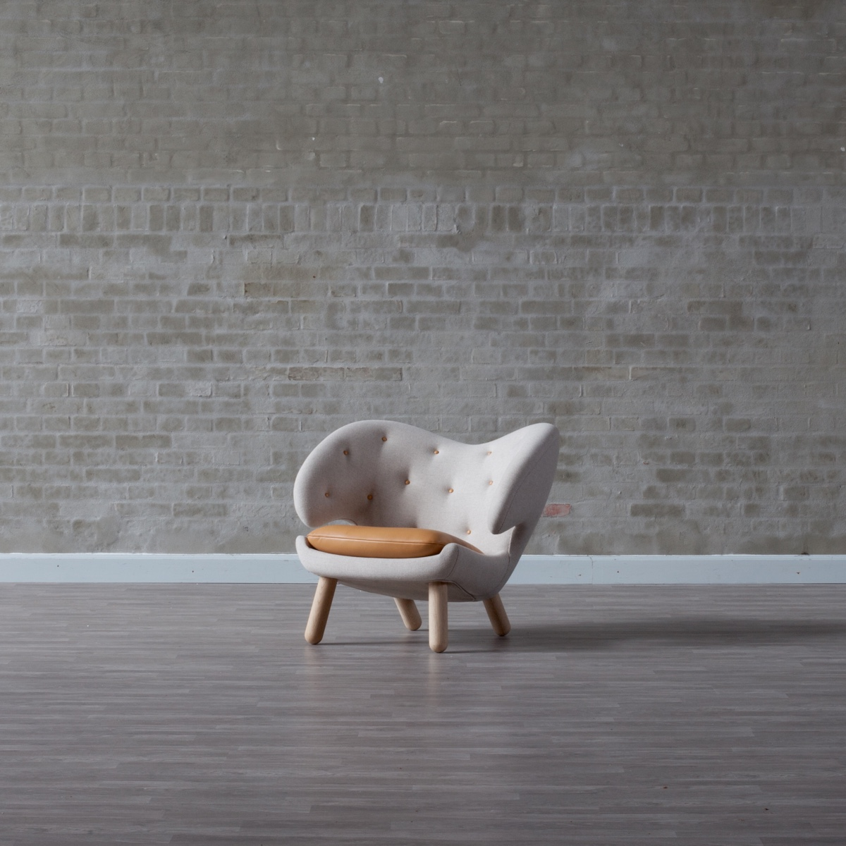 Pelican Chair, designed by Finn Juhl in 1940. Image © 2016 House of FinnJuhl™.