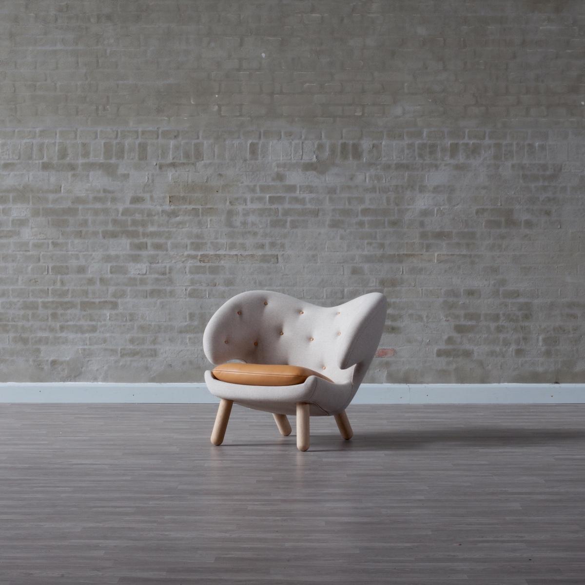Pelican Chair, designed by Finn Juhl in 1940. Image © 2016 House of FinnJuhl™.