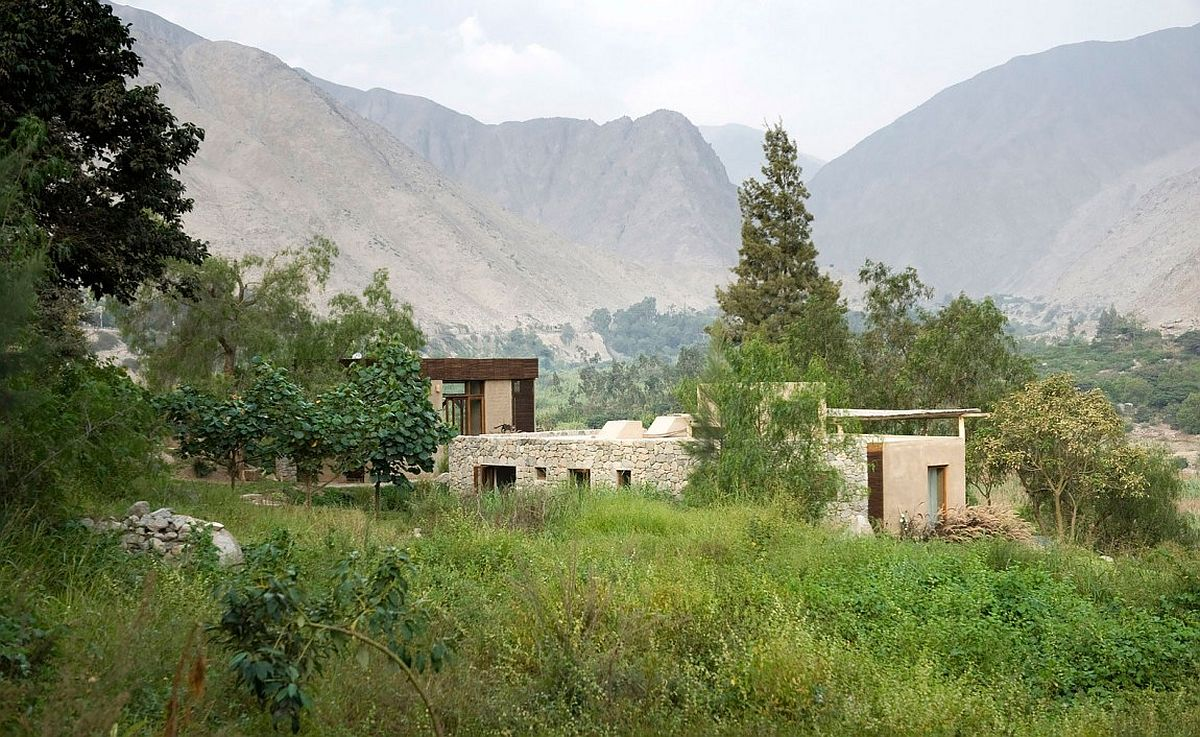 Private residence in a rural landscape in in Antioquia District, Peru