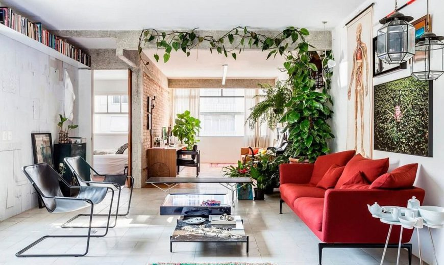 This Smart São Paulo Apartment Intertwines Greenery with Colorful Zest