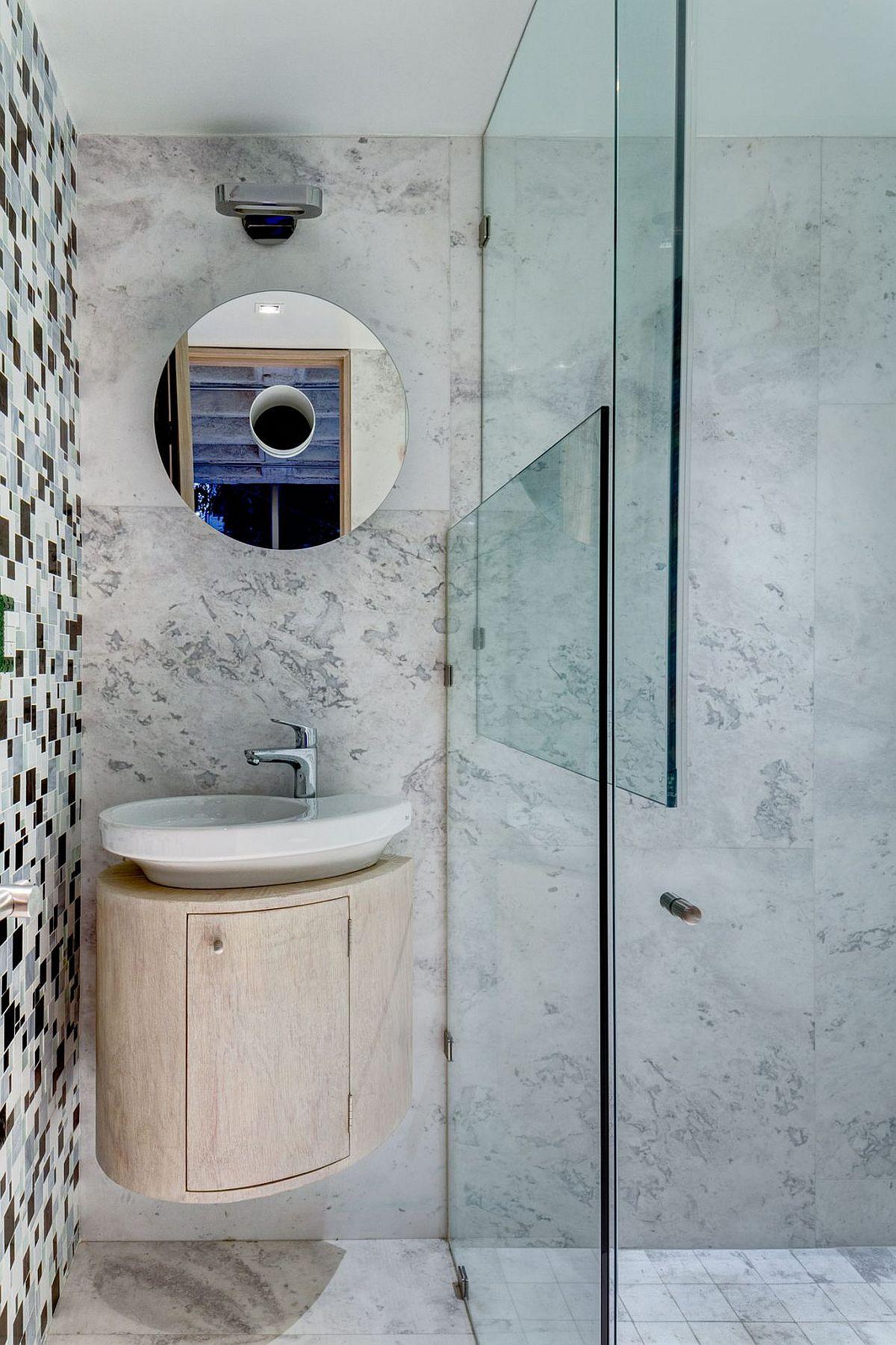Small bathroom sink and vanity idea
