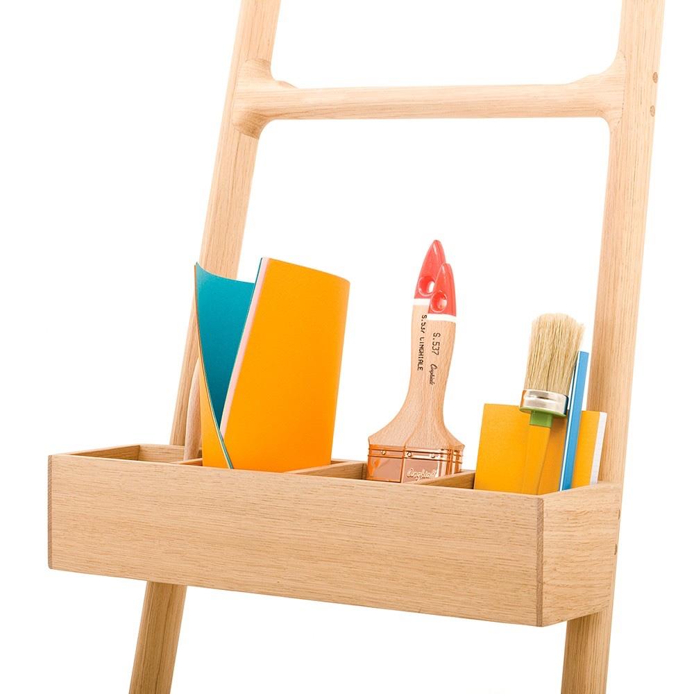 The Tilt Holder,designedbySmithMatthias, for the Tilt Ladder. Just make surethose paintbrushes are clean before storing!Image© 2016 Discipline.