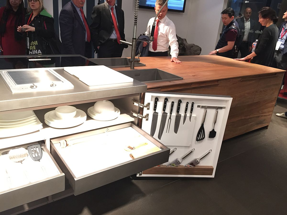 Tuck away your kitchen utensils, pots, pans and knives into the smart kitchen island shelves