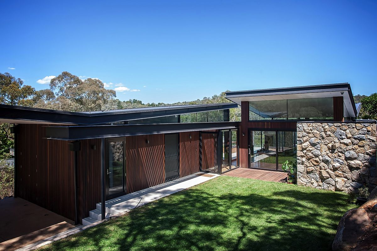 Twin butterfly roofs of the Warrandyte Residence