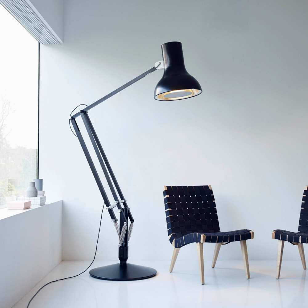 Another Anglepoise®️ giant is theType 75™ Giant.