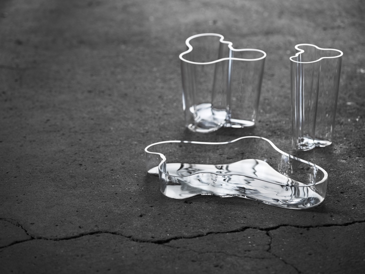 Aalto Vases, clear. Photo by Timo Junttila.