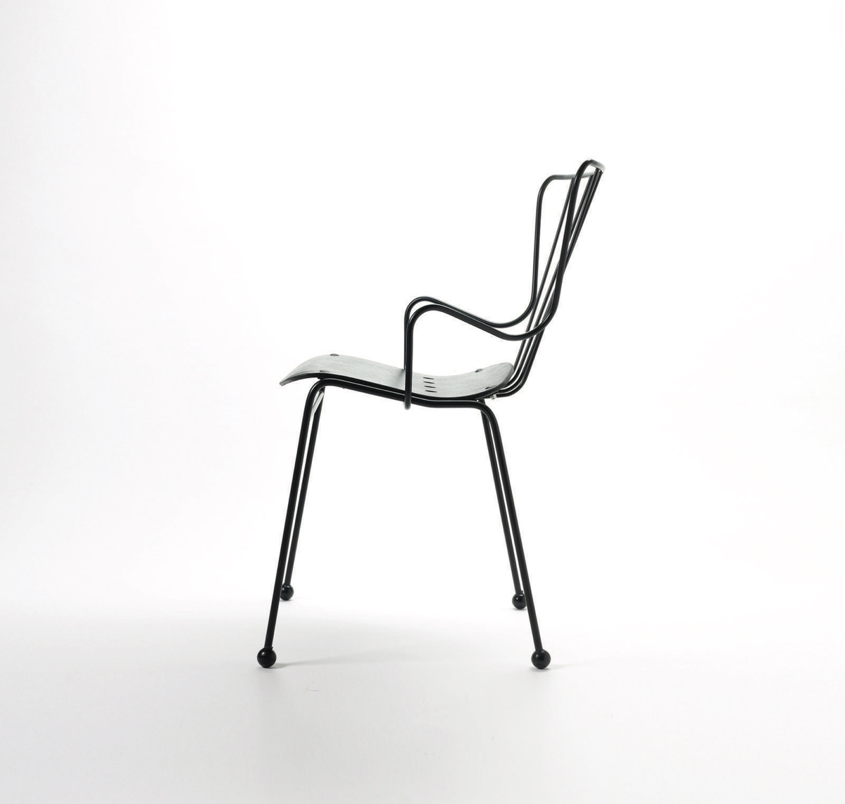 Antelope chair in black.