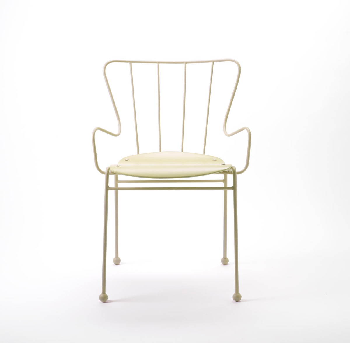 Antelope chair in white.