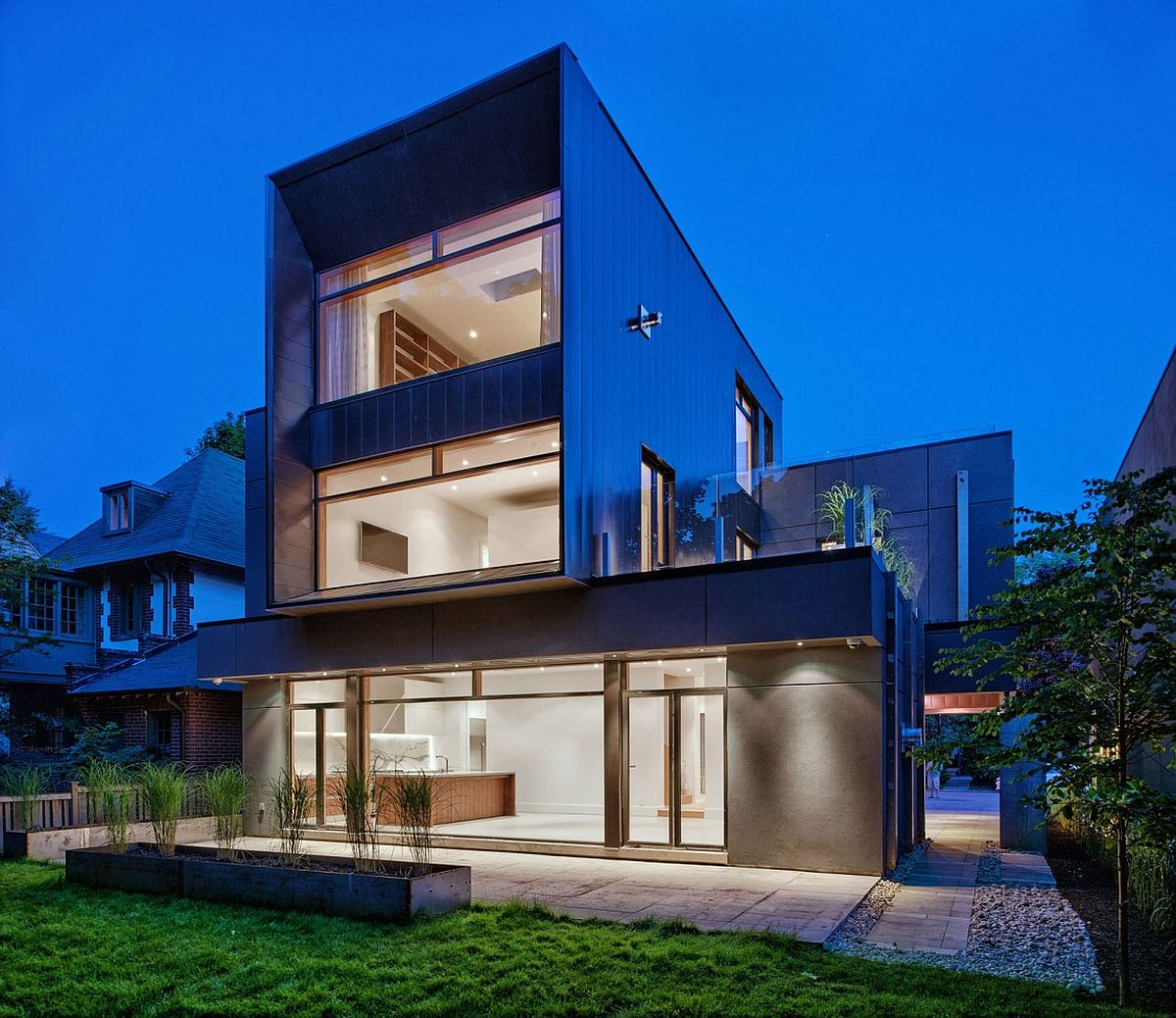 Beautiful and exclusive three-story family home inToronto