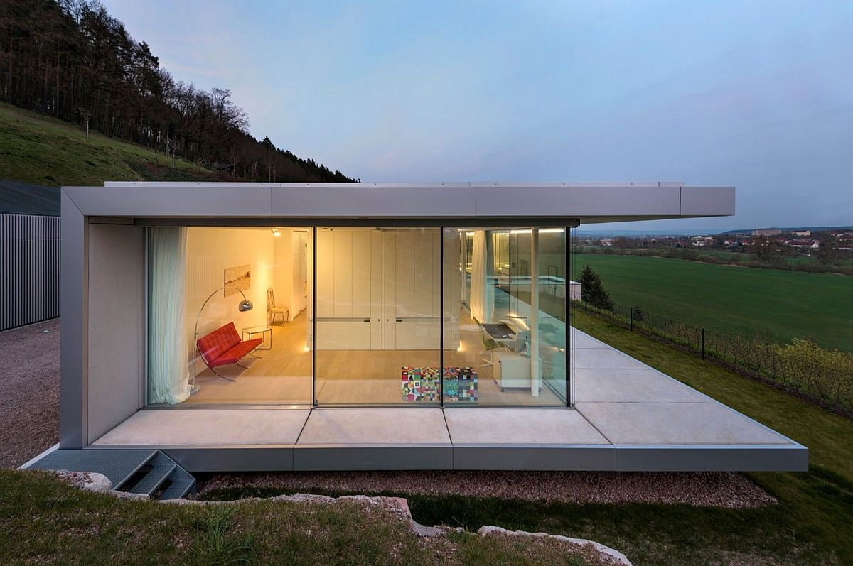 Pool that seems to float above a hill zero energy for Villa minimal