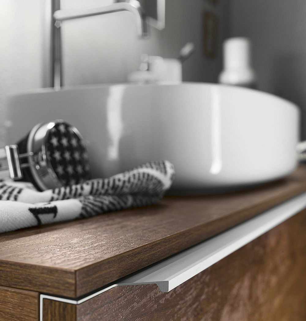 Closer look at new age bathroom furnishing from Inda