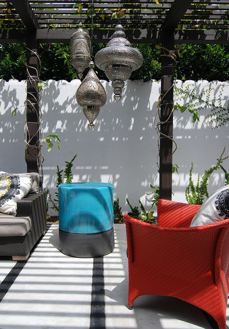 Contemporary patio feels like a relaxing Mediterranean escape [Design: MJ Lanphier]