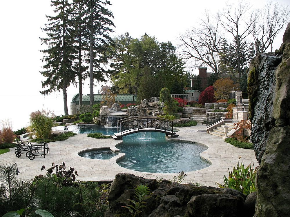 Design of the landscape and greenery usher in a subtle Japanese style to the poolscape [Design: Gib-San Pools]