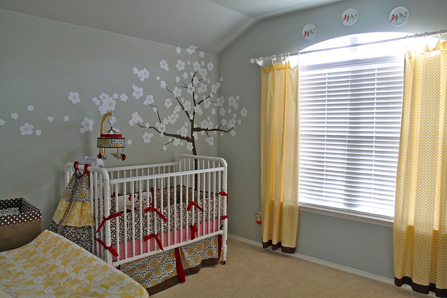 Drapes in yellow can alter the appeal of the neutral nursery space instantly [From: I like it, I love it!]