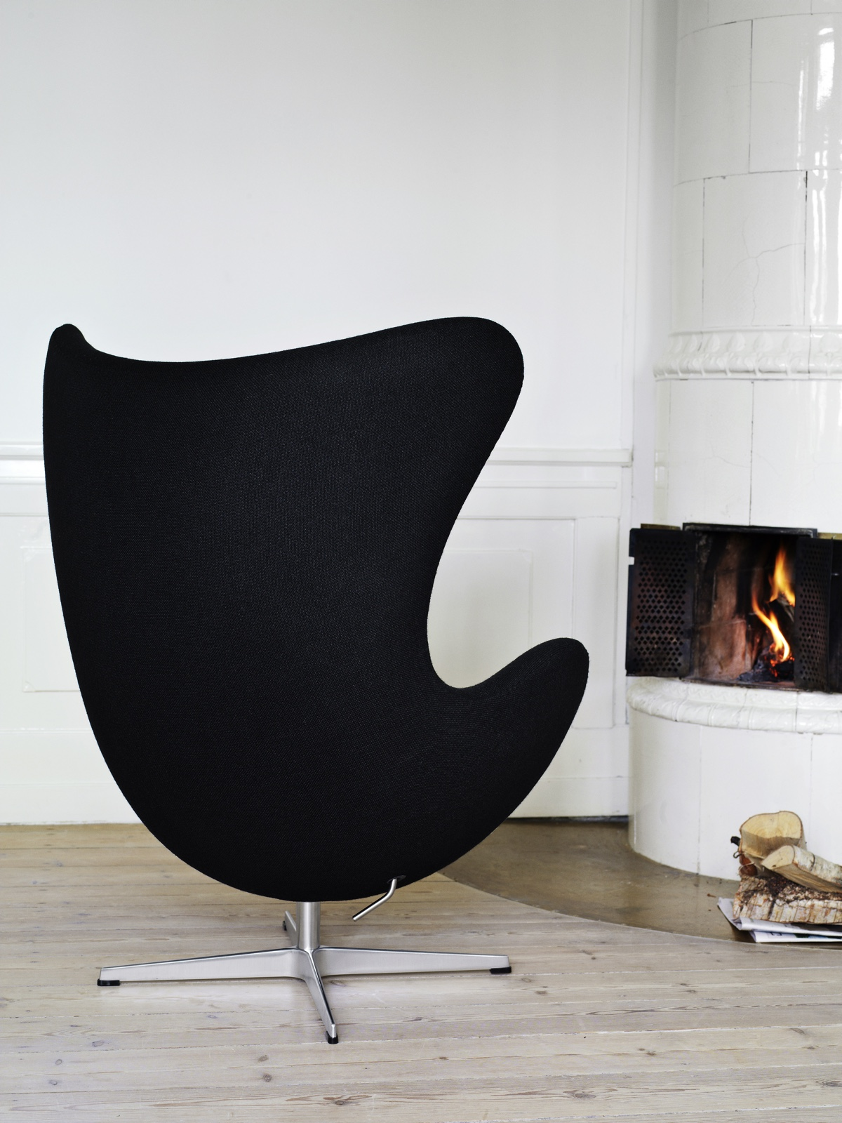 The Egg™ chair in a private home setting.