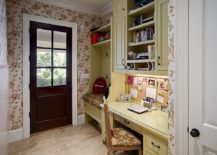 Even the tiniest entry can accomodate both the mudroom and home office 217x155 10 Versatile Mudrooms That Double as Home Workspaces