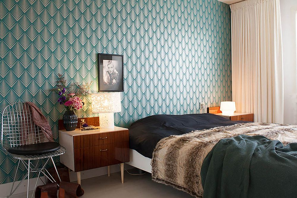 Find the balance between patterned and geometric wallpaper  Photo From   Louise de Miranda. 25 Awesome Rooms That Inspire You to Try Out Geometric Wallpaper