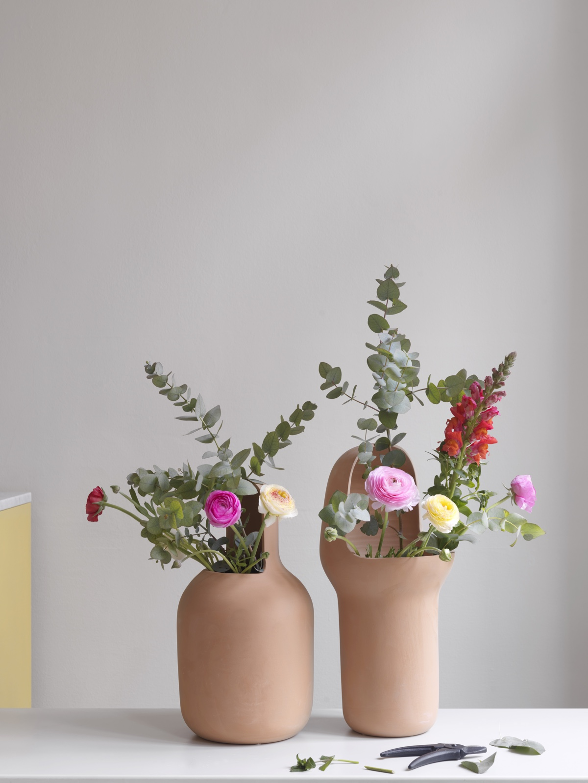 Gardenias garden vases