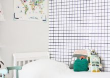 Geometric wallpaper does not get simpler than this