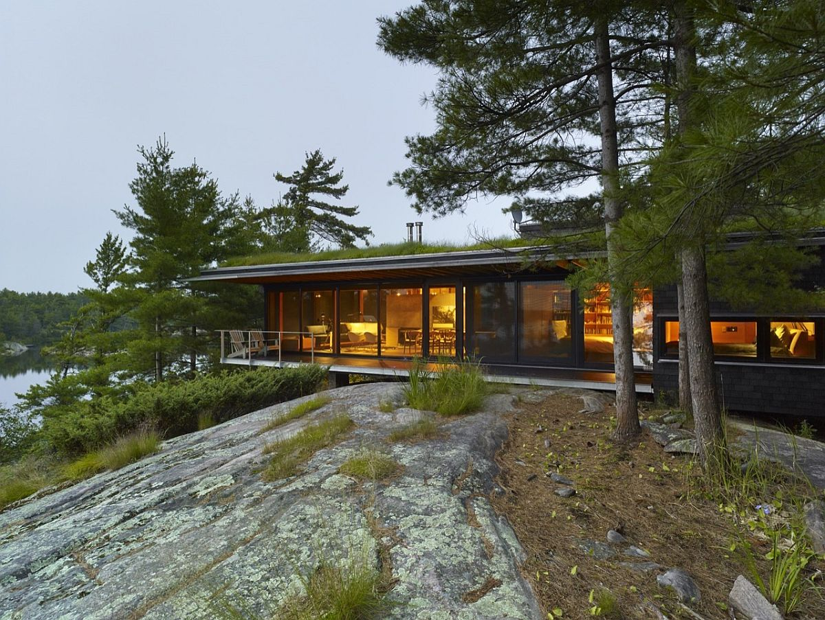Go Home Bay Cabin in Ontario with Green Room and understated silhouette An Island Retreat: Cabin with Green Roof Offers a Cozy, Magical Escape