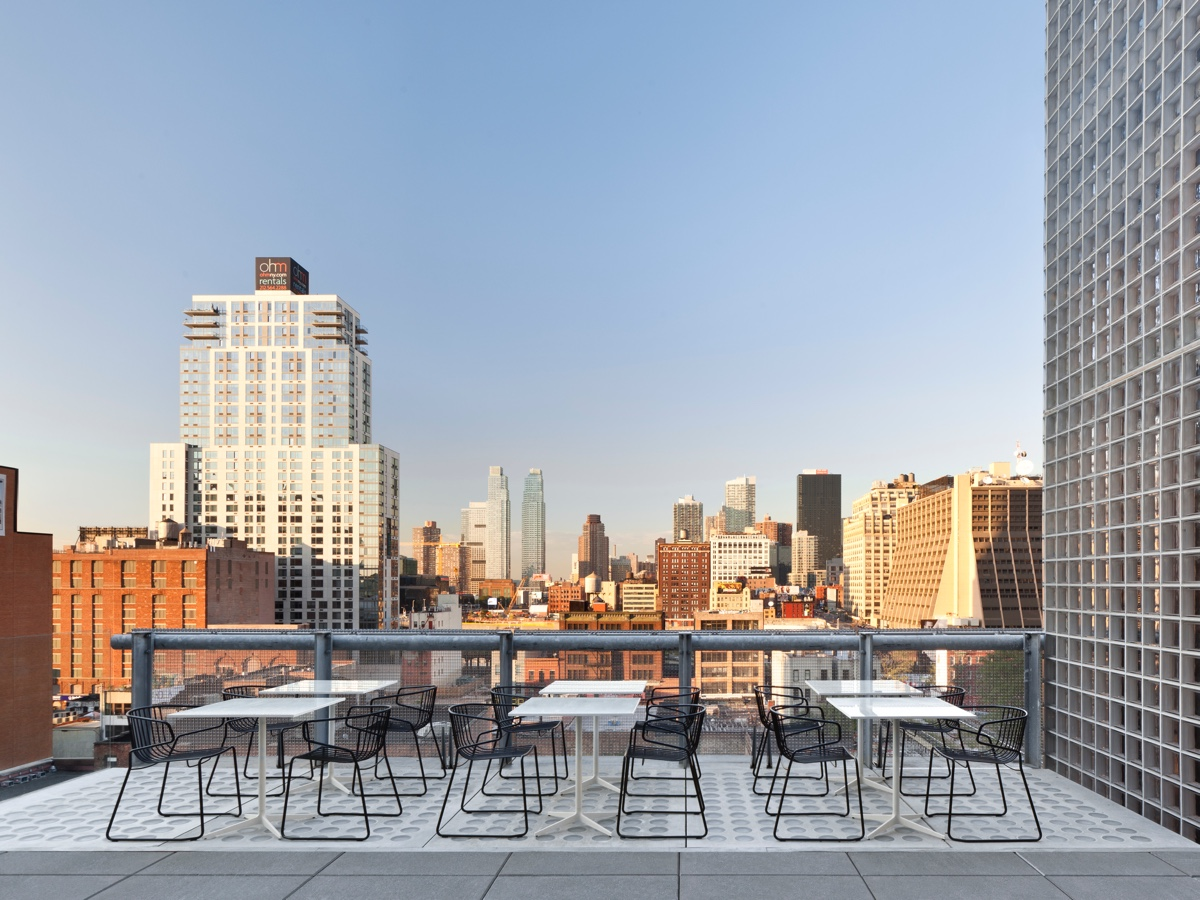 A Toast to the High Life: 15 NYC Rooftop Bars