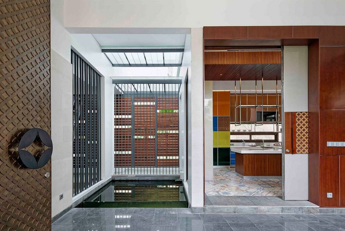 Interior full of textural beauty and modern elegance dotted with the kawung pattern