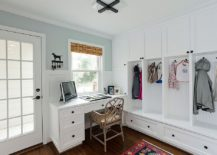 Keeping the design of the mudroom home workspace simple and stylish