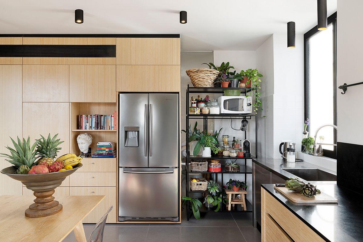 Kitchen storage idea – open metallic shelf