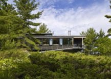 Local architectural principles coupled with modern design at the Go Home Bay Cabin