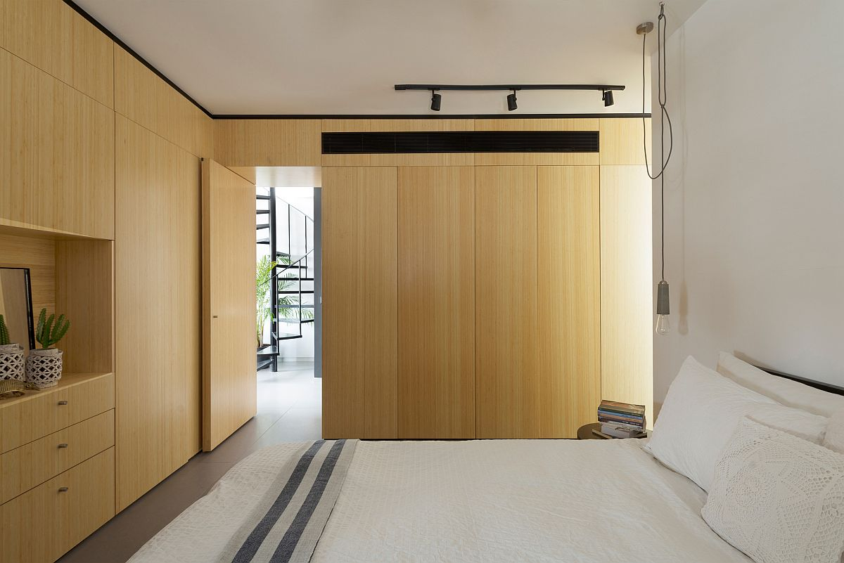 Master bedroom of the smart and space-savvy Tel Aviv apartment