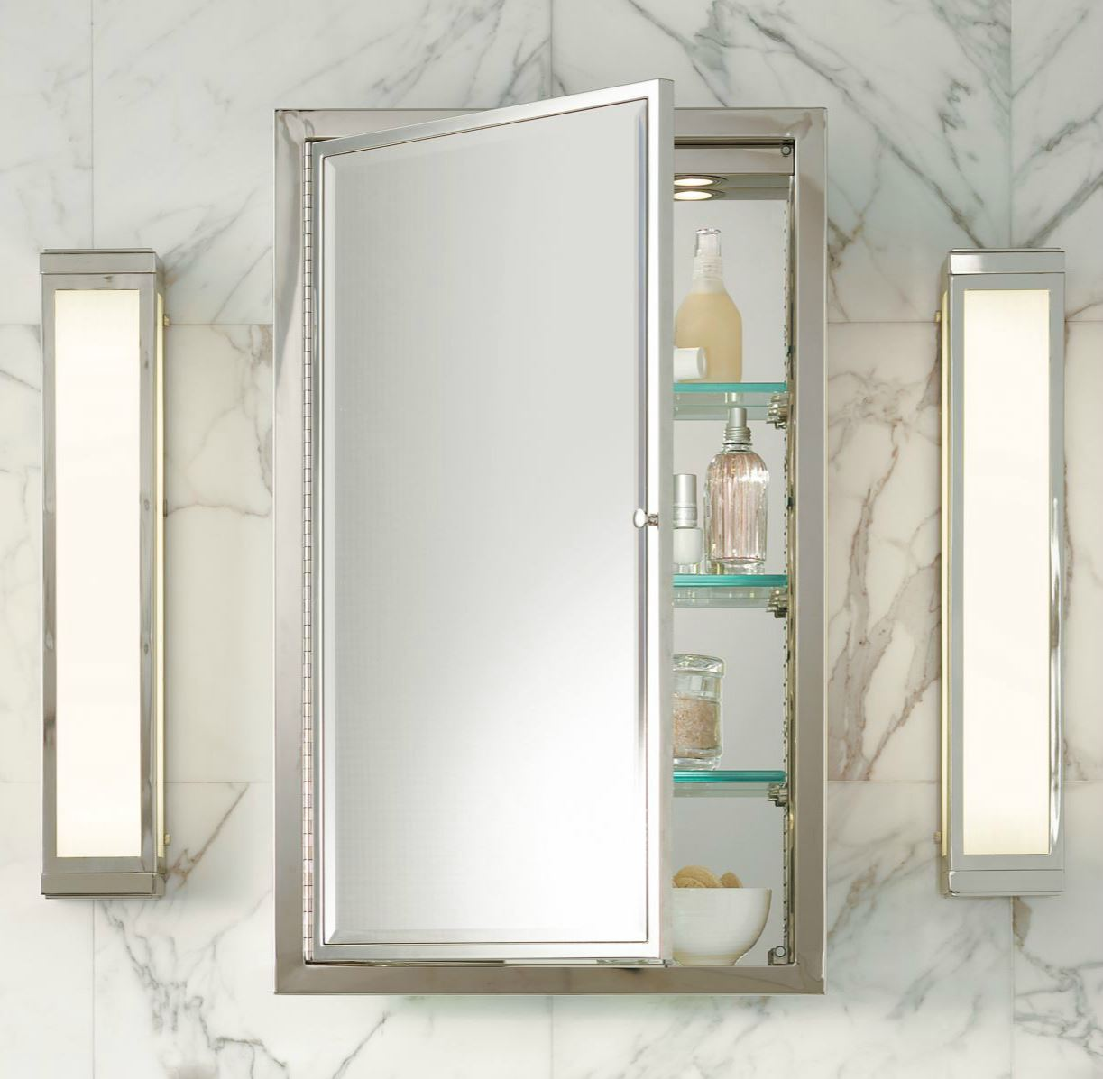 20 tips for an organized bathroom - Bathroom mirrors and medicine cabinets ...