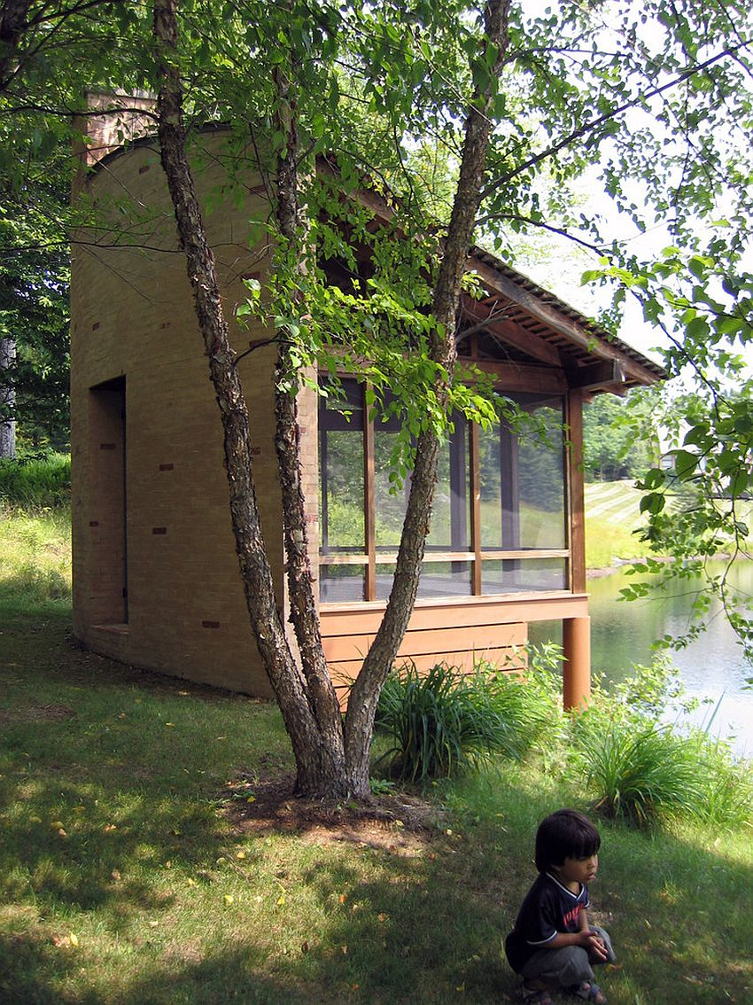 Meditation shed overlooking a lake promises seclusion and tranquility [Design: David Coleman / Architecture]