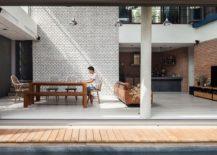 Minimal-presence-of-decor-in-teh-living-room-enhances-its-spacious-vibe-217x155