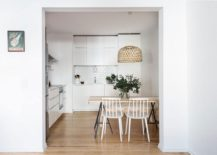 Modern and space-savvy kitchen in white of the Lisbin apartment