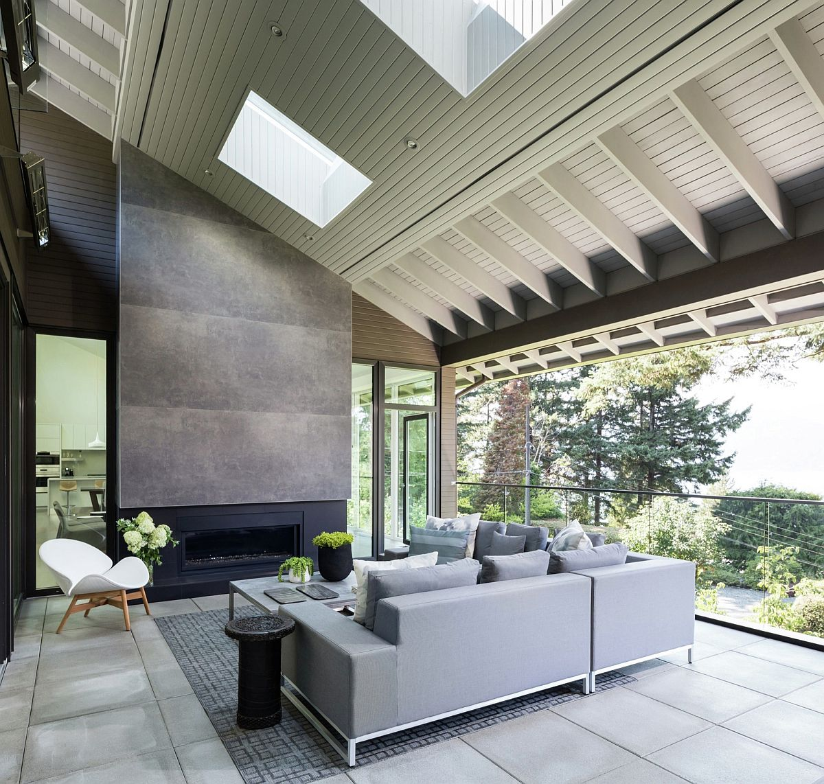 Vancouver Home by Randy Bens Architect Extends its Living ...