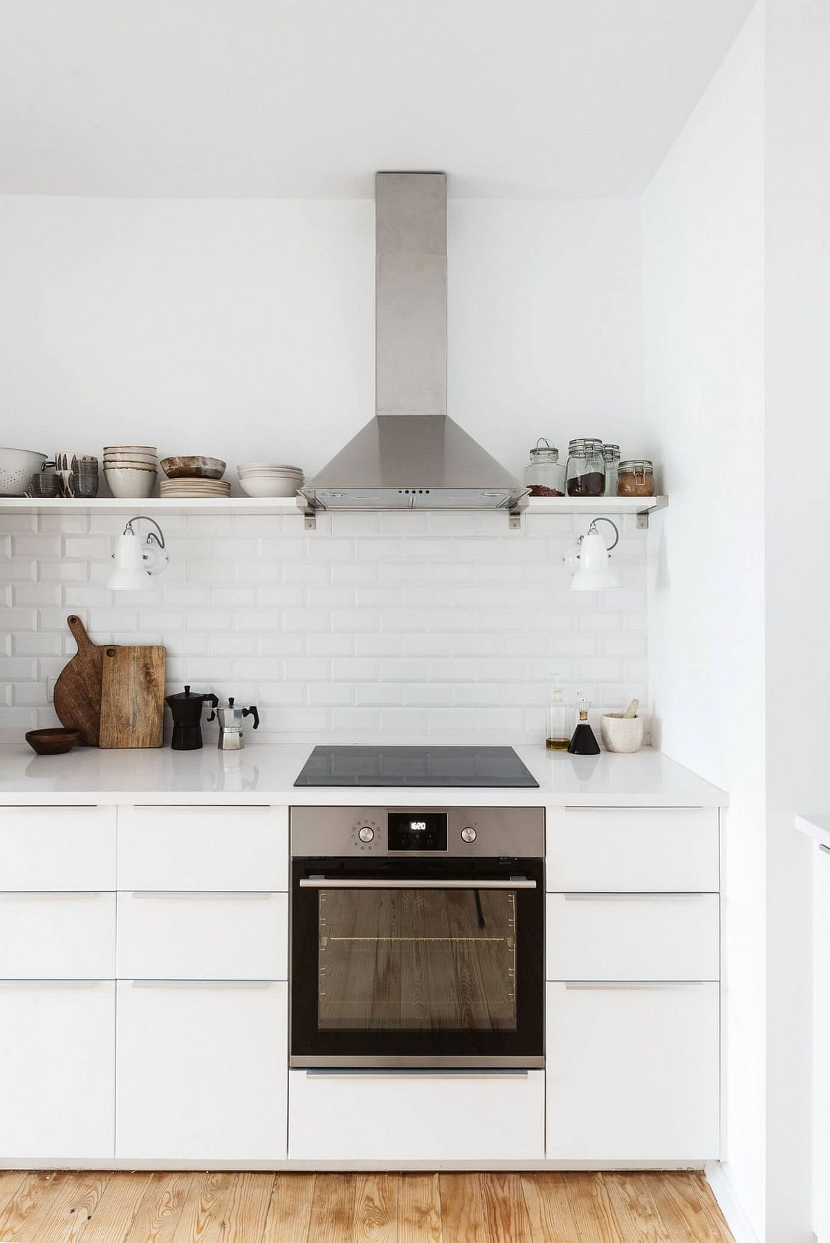 Polished kitchen countertop in white and nifty modern cabinets