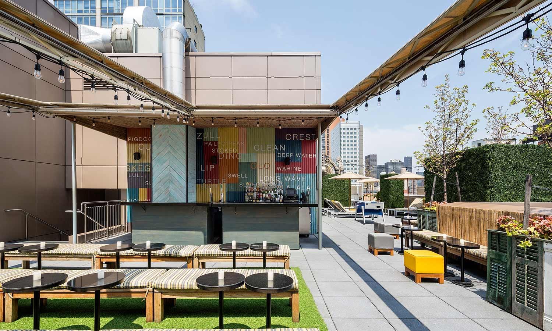 TheGansevoort Park Avenue rooftop bar.