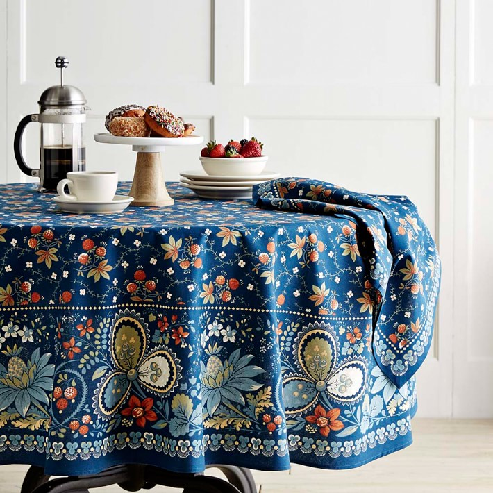 View In Gallery Round Tablecloth From Williams Sonoma