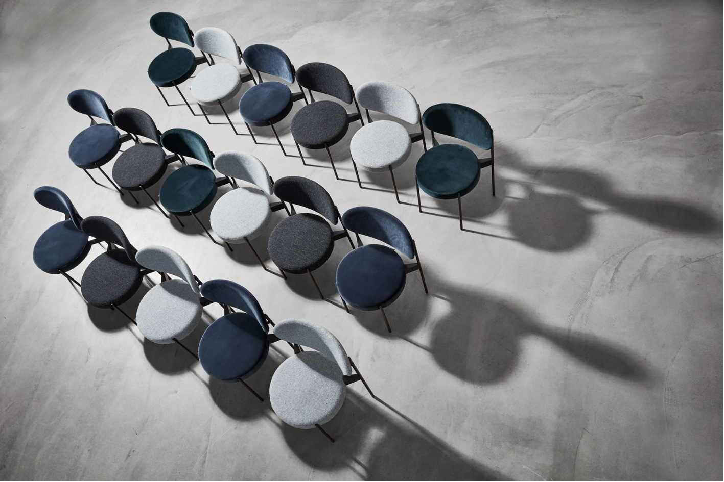 Series 430 dining chair. Designed by Verner Panton in 1967.
