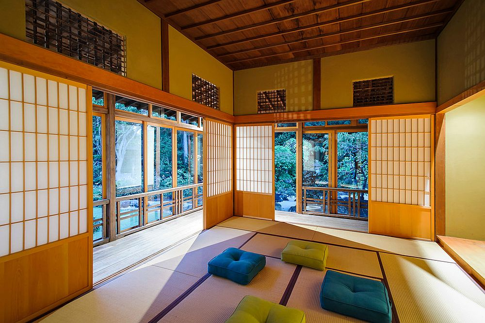 Shoji screens are an absolute must for the fabulous Asian style meditation room [Photography: Dennis Mayer]