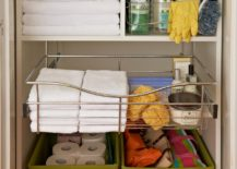 Sliding trays for the bathroom cabinet