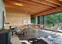 Smart decor adds to the stylish aura of the cabin retreat