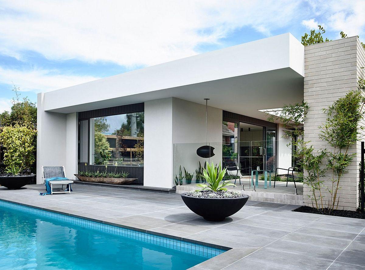 Spacious loggia and garden at the modern Aussie home