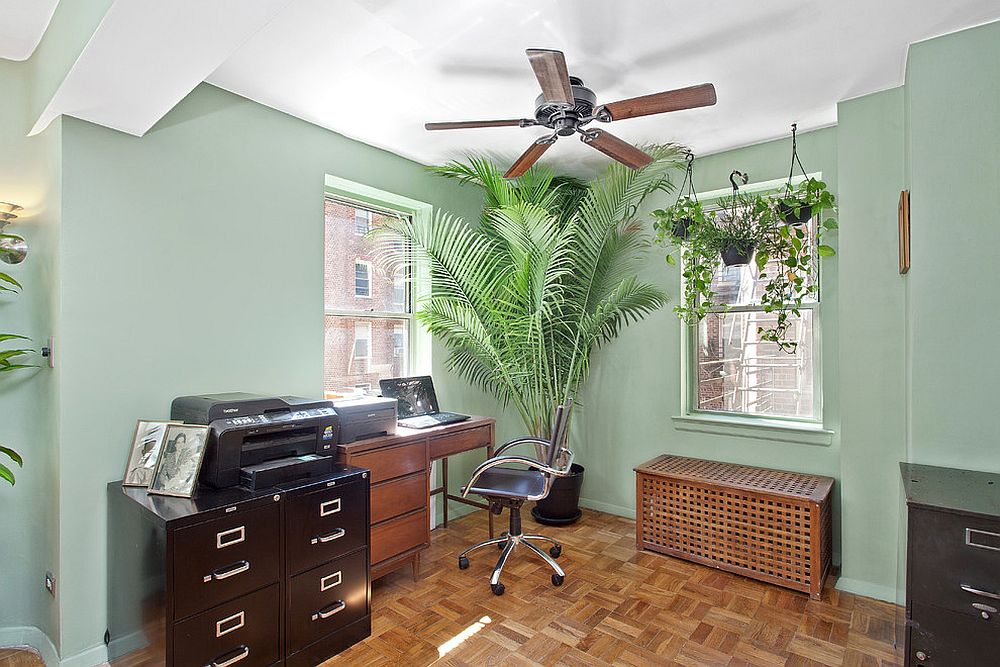 Touch of tropical goodness for the traditional home office [Design: Manhatta Architecture]