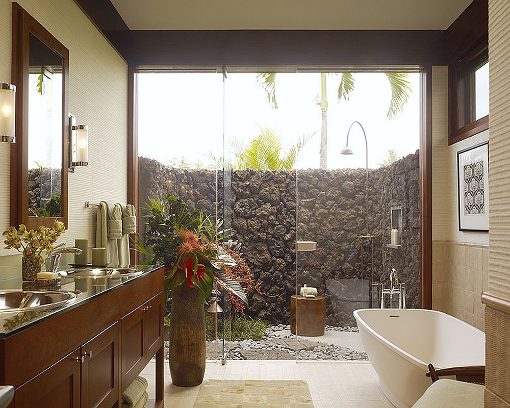 Turn the outdoor shower into an extension of the bathroom inside [Design: Slifer Designs]