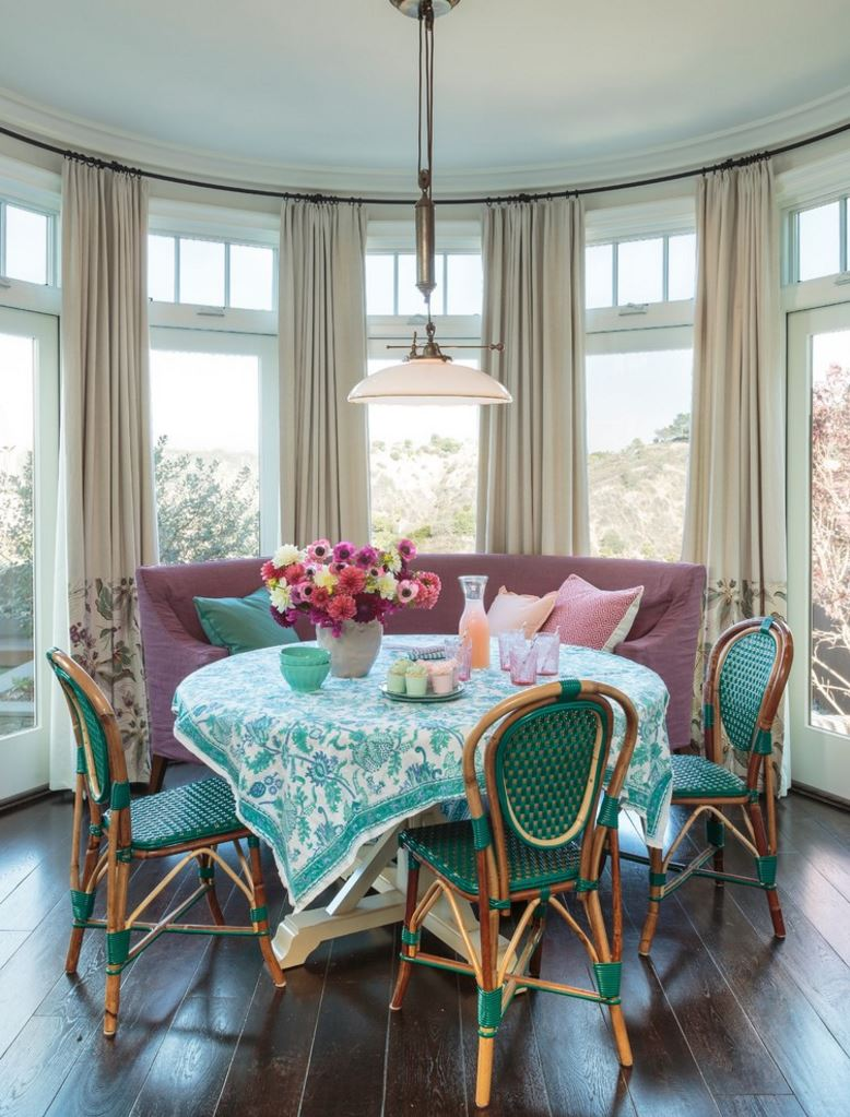 View In Gallery Vibrant Turquoise And White Tablecloth For A Light Filled  Beach House
